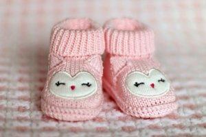 chaussures pieds bébé